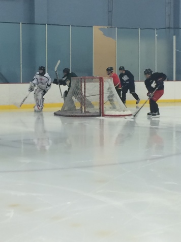 Hockey team takes ice for practice