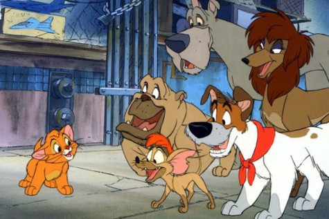 Orphaned kitten Oliver (voiced by Joey Lawrence) stands alongside his gang of canine accomplices. That this is the most interesting frame with the fuller titular cast speaks volumes (Disney).