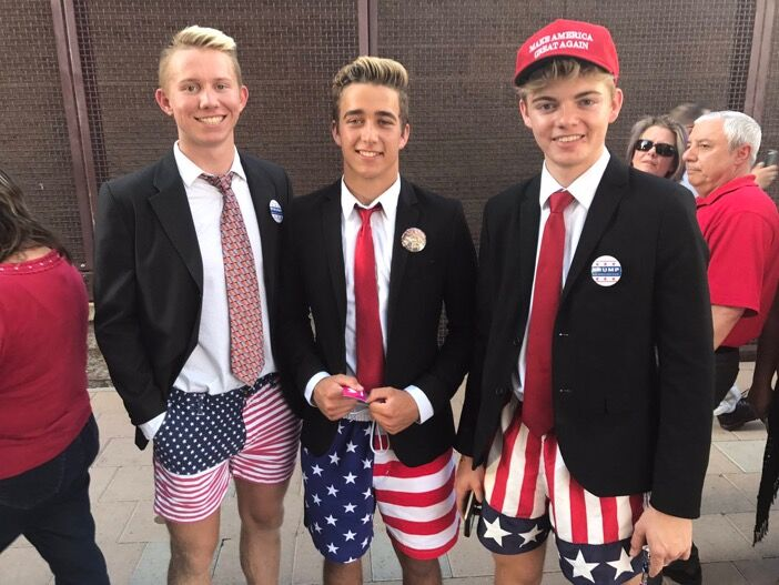 Five+minutes+of+infamy%3A+students+go+viral+at+Trump+rally
