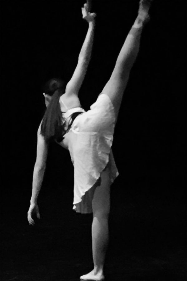 Tatiana Savedra dancing at the moveo show