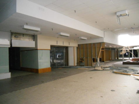 A dead mall, symbolizing the downfall of alfresco commerce