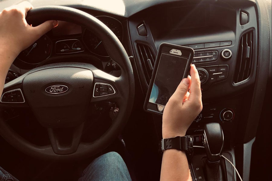 Hands+Free+Driving%2C+Future+on+the+road