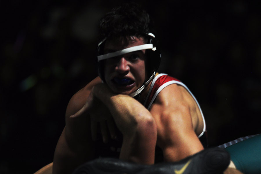 Perry+wrestler+Ikaika+Maldonado+works+to+make+the+final+push+to+beat+his+opponent+Alex+Sanchez.