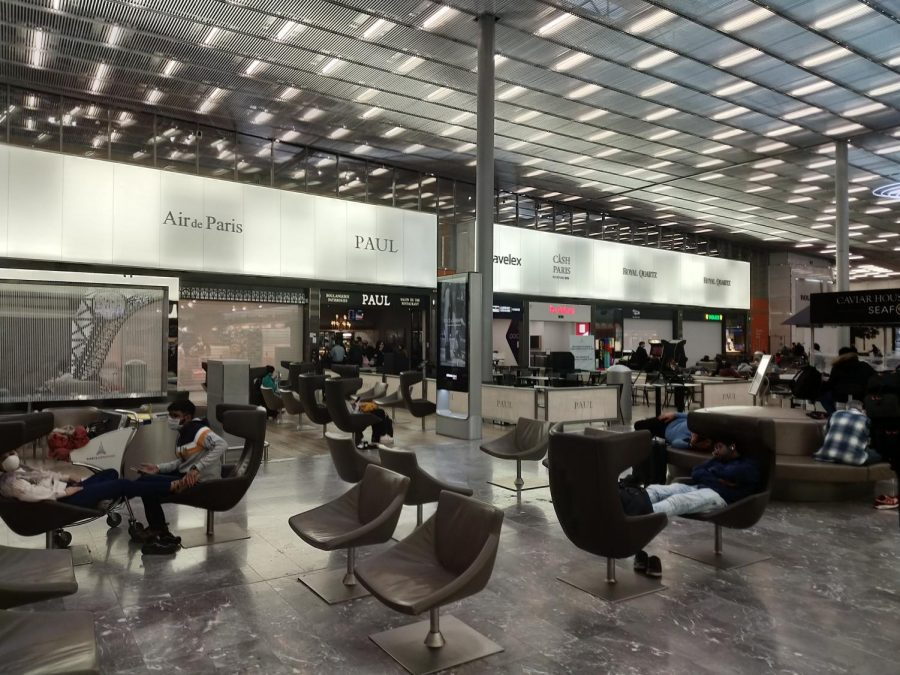 The Charles de Gaulle terminal 2m shops, restaurants and all non-essential stores have been closed.