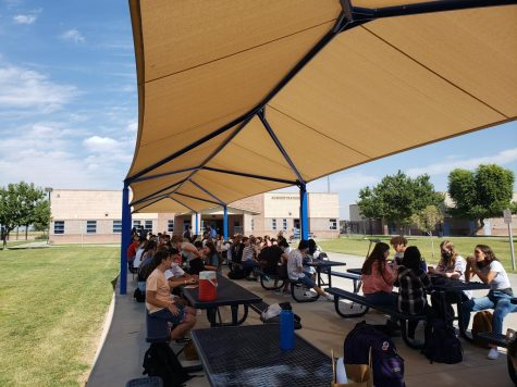 Perry Students eat together during C Lunch. Many students are bunched up without masks rather than being socially distant